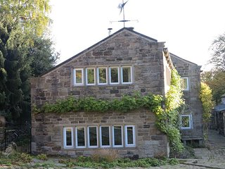 Tyas Cottage - 5 Star Luxury for 6 in Idyllic Historic Setting