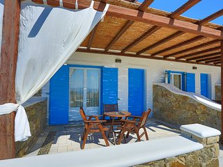 Maganos Suite Ena: Lovely views, for 2 persons, enjoys a shared pool, close to
