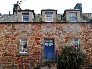 The Old Studio- character cottage in Crail, East Neuk