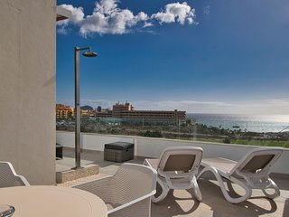 Amarilla Golf Villas - luxury 2 bed penthouse - stunning views
