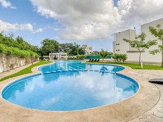 Family-friendly, relaxing, getaway home w/ shared gardens and pools.