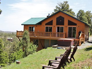 Sic'em Bears Cabin - Cozy Cabins Real Estate, LLC.
