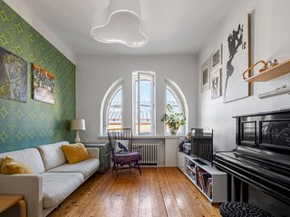 WeHost � Classical gem with piano and views �