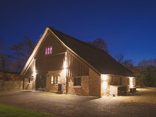 THE LAKEHOUSE SOMERSET:STAYS FROM L2000