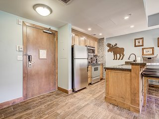 Ski in/out - Renovated-Premium Unit--Steps to Gondola in Canyons Village