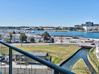 Harbour View, Unit 803/25 Bellevue Street
