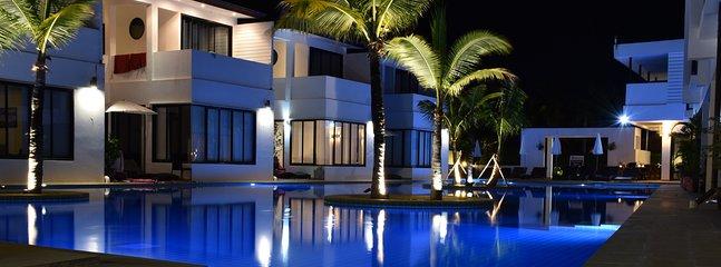 Vista sulla piscina dalla terrazza privata.