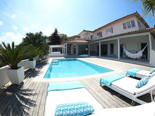 Buz027-Beautiful house with 5 suites and pool in Búzios