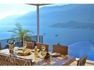Dolphin Bay Villa, holiday rental in Kastellorizo