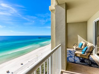 Oceanfront getaway with fitness center, shared pool/hot tub, & beach service!