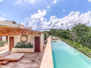 Aldea Zama's best location-jetted tub, balcony, jungle views&shared rooftop pool