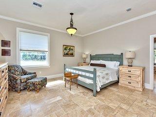 King Palm Suite in Knickerbocker Estate of Naples