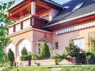 Beautiful home in Keszthely-Kertváros w/ WiFi and 4 Bedrooms (UBN367)