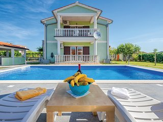 Stunning home in Kapelica w/ WiFi and 4 Bedrooms (CIO156)
