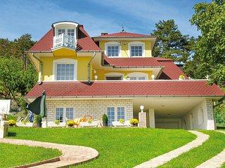 Beautiful home in Balatongyörök w/ WiFi and 2 Bedrooms (UBN204)