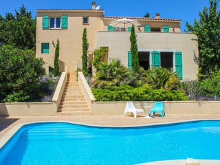 Amazing home in Caunes Minervois w/ Outdoor swimming pool and 4 Bedrooms