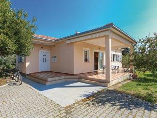 Nice home in Kastel Stafilic w/ WiFi and 3 Bedrooms