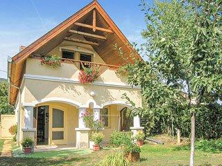 Nice home in Balatonederics w/ 3 Bedrooms (UBN438)