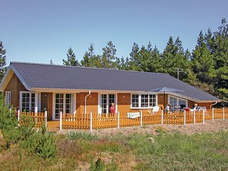 Beautiful home in Rømø w/ Sauna, WiFi and 4 Bedrooms (R10163)