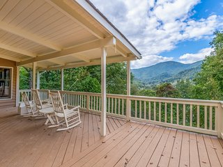 Keaton Cottage...Charming and Spacious Home with Incredible Mountain View's!!!