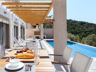 Villa Nona - New Modern Villa in Sivota Bay