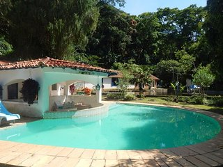 Pet001-Lovely 20 rooms farm with pool in Petropolis