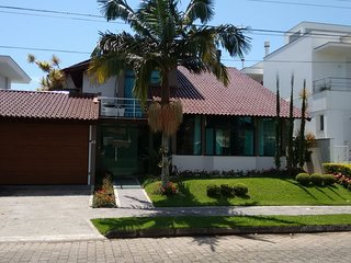 Flo025 - Beautiful house with pool and 5 bedrooms in Florianópolis