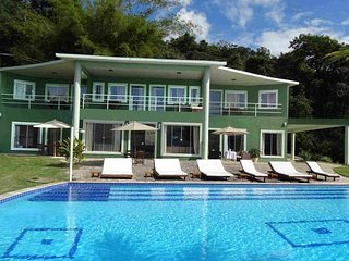 Pty004 - Magnificent 7 bedroom villa with breathtaking views in Paraty