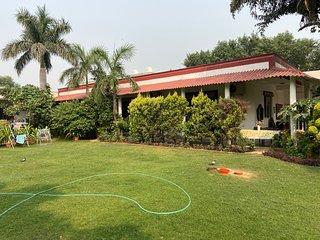 Shean Family Green Farm - Delhi (Ghitorni)