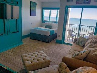 Oceanfront Studio Suite~Palace 1601