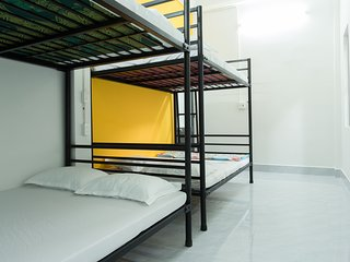 King Homestay - Double Beds As Bunk Beds -Hue City Center