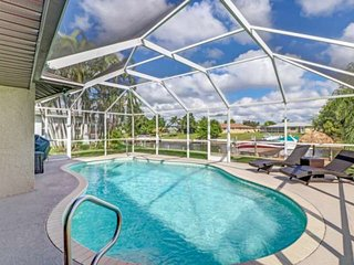 Gorgeously Remodeled, Heated Pool, Gulf Access, Water View, Beach Gear, Free WiF