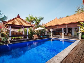 Villa Bukit Malas 3 - 3 Bedroom private villa with pool, seaview and breakfast