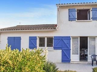 Stunning home in La Tranche sur Mer w/ 3 Bedrooms