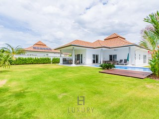 New Modern 3 Bedroom Private Pool Villa!