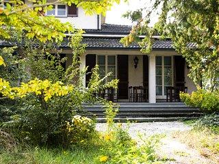 Suite #4  in Luxury Vintage Villa