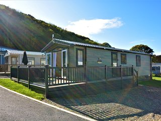 77473 Log Cabin situated in New Quay (1.7mls NW)