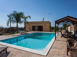 Villa vista mare con piscina privata Ionio m365