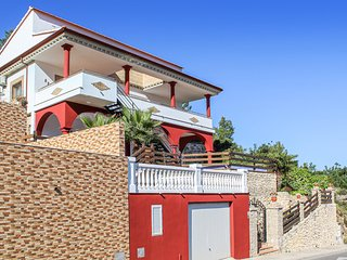 Stunning home in Cullera w/ Outdoor swimming pool, Outdoor swimming pool and 3 B