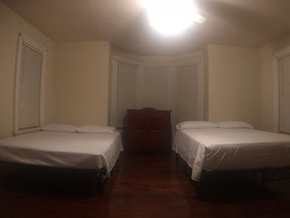 559 Room 1 · Double Queen , NEAR NYC and EWR