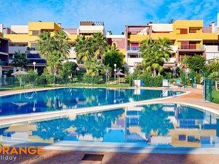 Orange Holiday Housing - El Bosque 6002 (2 bedr, balcony, WiFi, swimming pool)