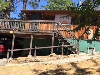 3 Bedroom, 2 Bath Cabin, Sleeps 8 - between E. Sonora and Twain Harte.