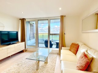 Ocean Gate 24 - luxury 2 bedroom apartment overlooking Fistral Beach