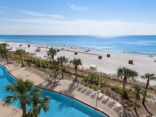 Beautiful condo w/ beach access - outdoor pool, gym & hot tub on-site!