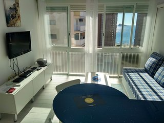 Blue Sky Apartment-Sea View-Free WiFi-TV English channels-Outdoor pool-Parking