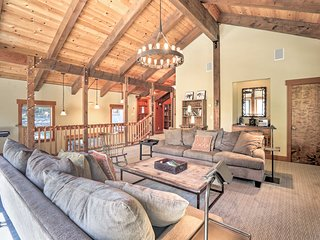 Bright Lake Tahoe Cabin w/Fireplace, Grill & Decks