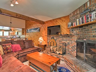 NEW LISTING! Townhome w/Pool, 3 Mins to Killington!