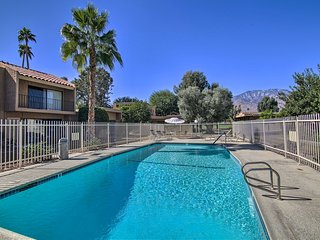 NEW! Palm Springs Paradise - Steps to Pool & Golf!