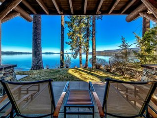 Luxury Lakefront 3BR/3BA Beautiful Resort W/ Tons of Great Amenities