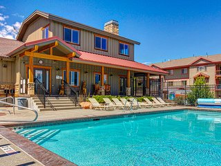 NEW LISTING! Townhouse w/ a fireplace, private hot tub, shared pool, & more!